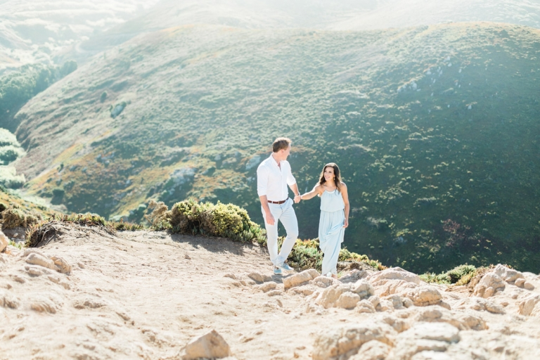 Portugal fine art photographer fotograaf Algarve Lissabon Cabo Roca Sintra Lisbon Lisboa buitenland engagement shoot loveshoot wedding bruiloft fotografo casamento praia coast rocks fotoshoot Dutch bruidsfotograaf fotografie esession e-session rotsen strand kust trouwen in Portugal Lissabon