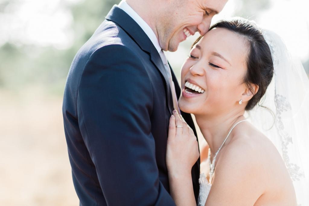 Fine art fotograaf bruidsfotograaf shoot fotoreportage bruiloft Eleana en Leo Kasteel Cranendonck Soerendonck buiten trouwen buitenbruiloft huwelijk videograaf en fotograaf photographer and videographer fotografie spontaan chinees chinese bruid